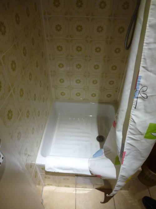 toilet hotel murah
