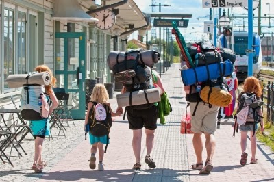 FAMILY BACKPACKERS
