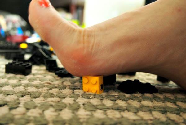 PIJAK LEGO